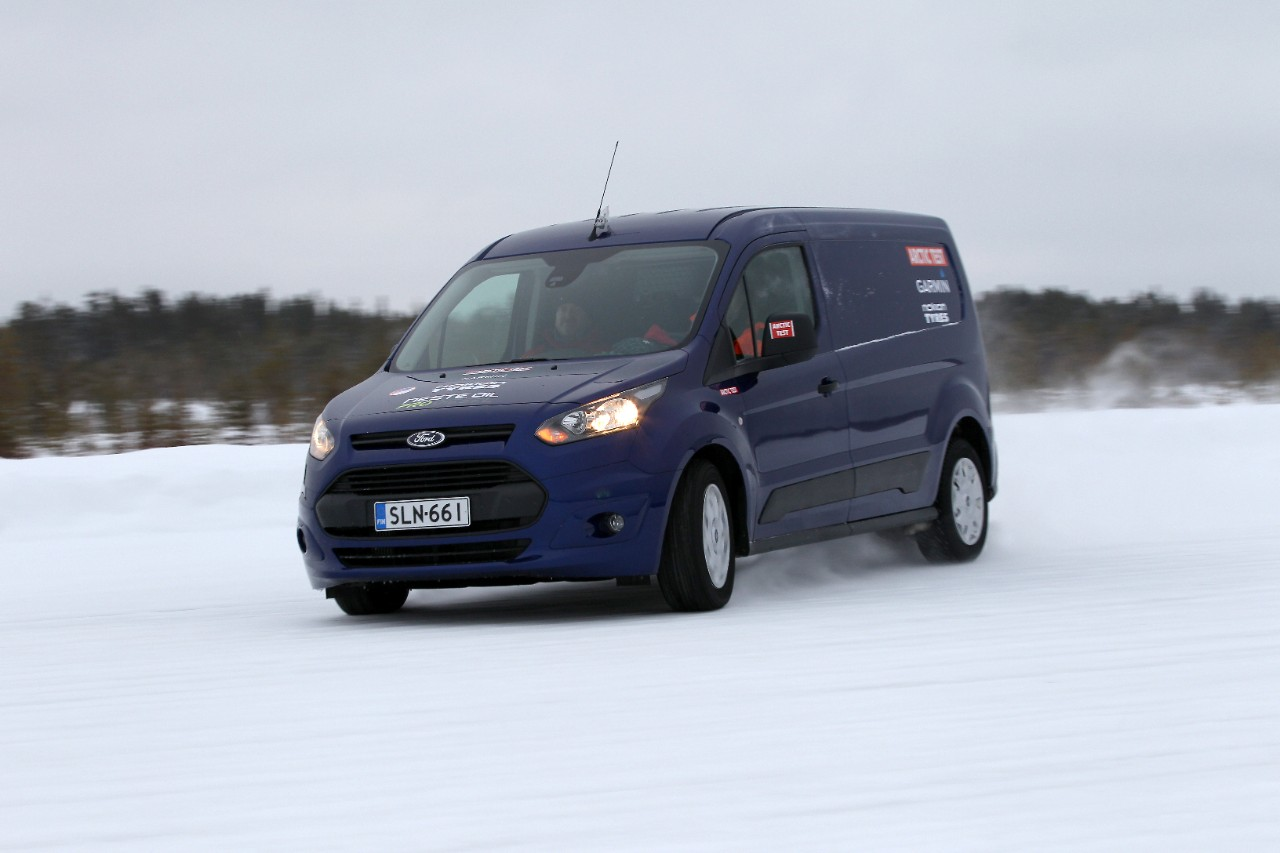 TransitConnect_ ArcticVanTest2014_RK4_4512
